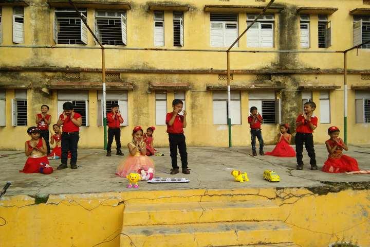 Dav Senior Secondary Public School-Activity
