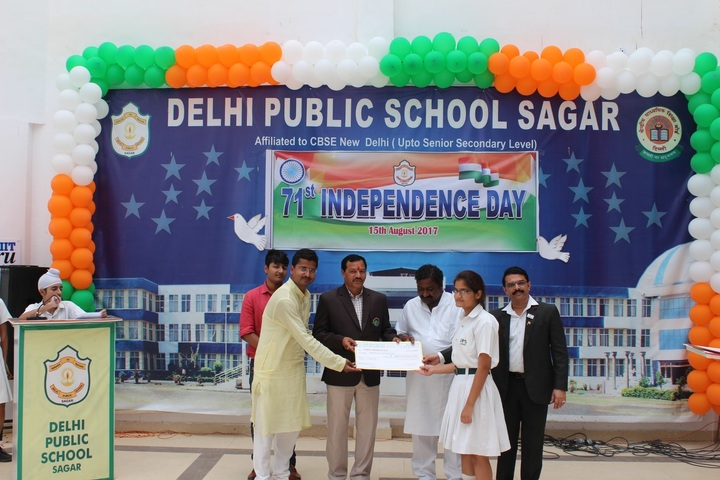 Delhi Public School-Prize distribution