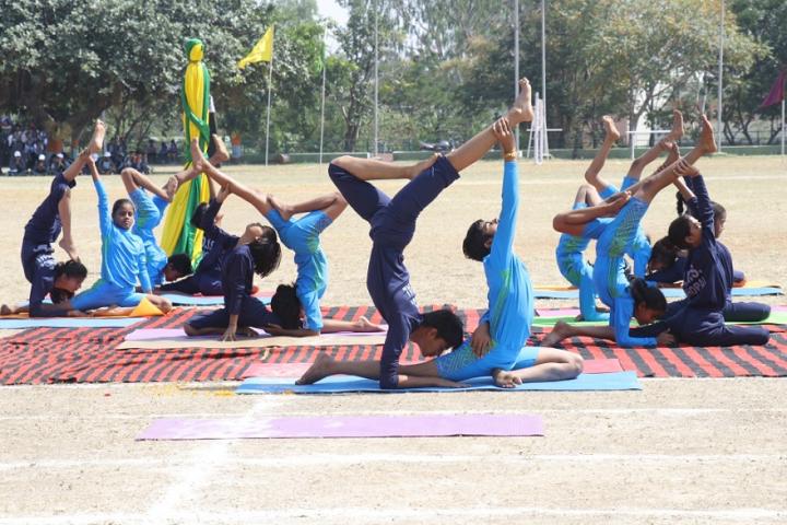 Demonstration School-Yoga