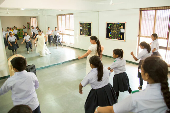 Ekayanaa School-Dance-Room