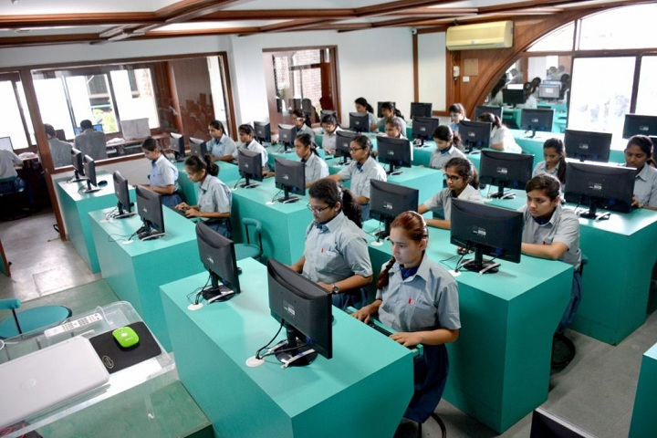 Emerald Heights Higher Secondary School-IT-Lab