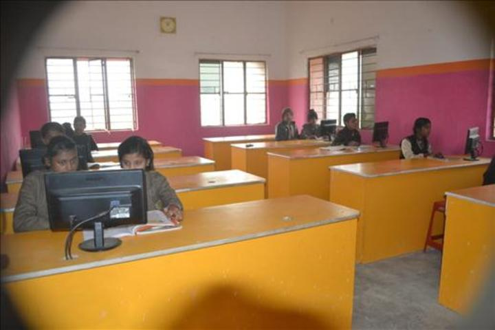Acharya Sudarshan Vidyapeeth-Computer Lab