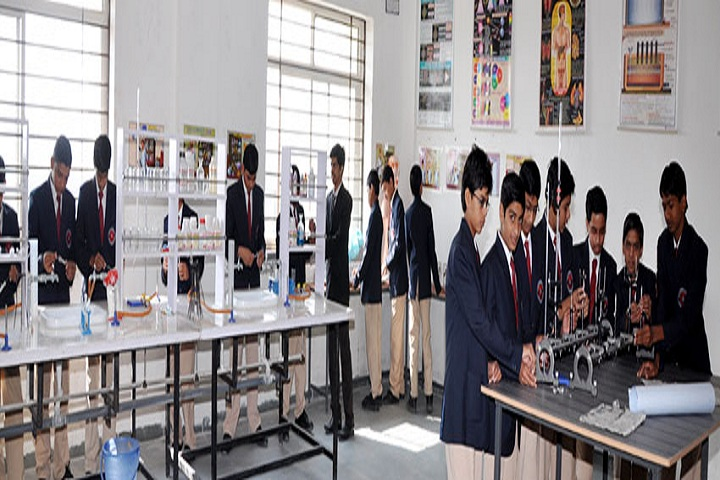 Gautam International Academy-Chemistry Lab