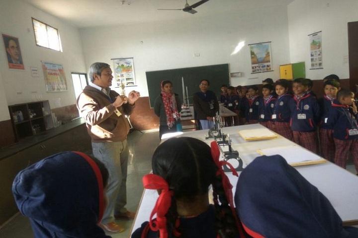 Genius Planet School- Biology Lab