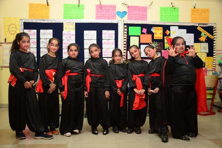 The Omni School-Halloween Activity