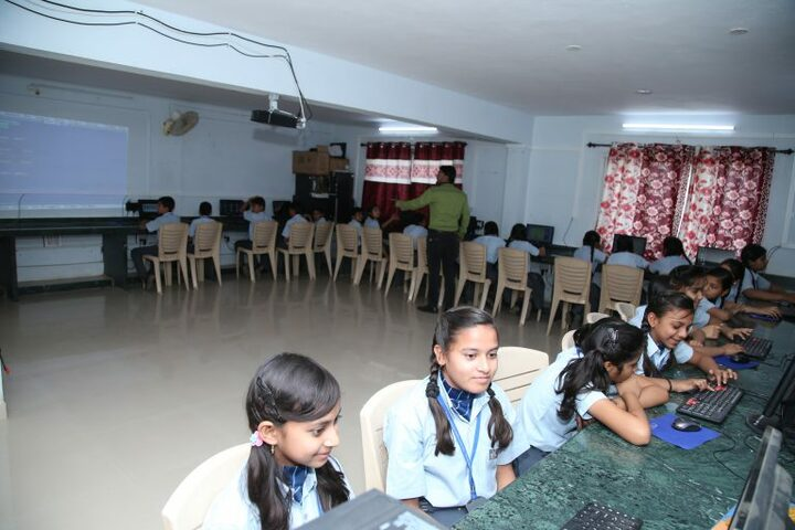Gurukul The Real English Medium School-Computer Lab