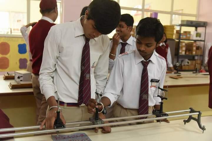 Gvn Global School-physics lab