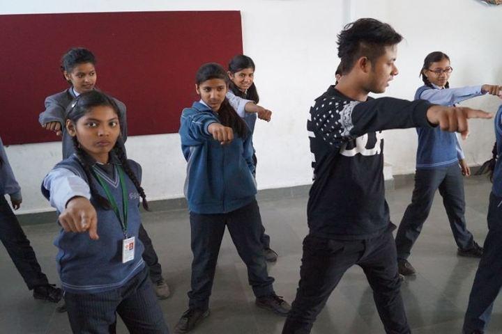 Gwalior Glory High School-Dance class