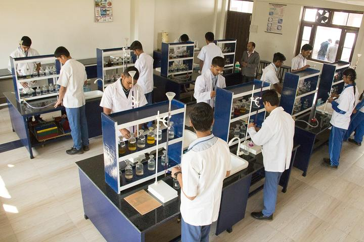 Happy Days School-Chemistry Lab