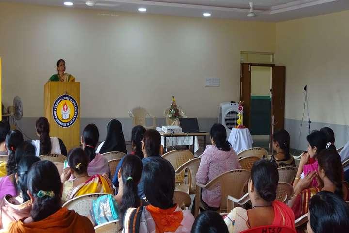Holy Trinity School-Seminar