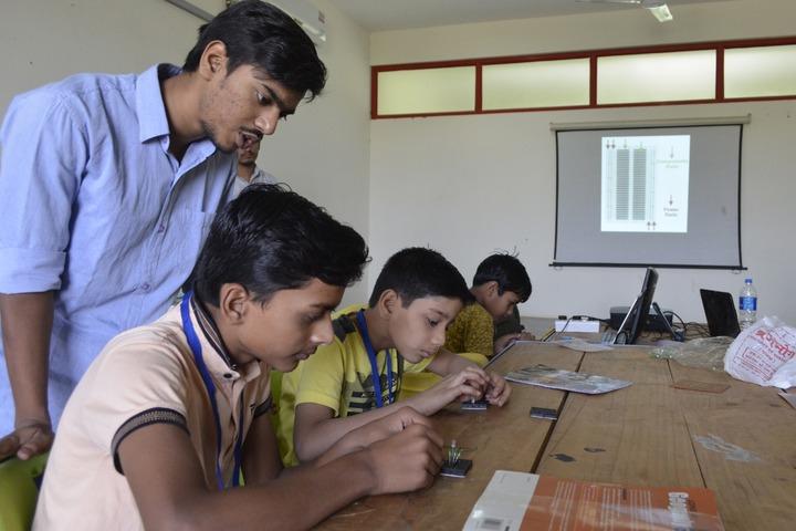 Itm Global School-Science Lab