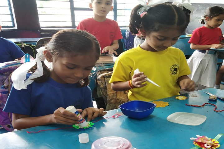 Little World School-Rakhi Making