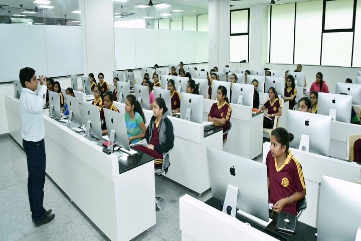 Macro Vision Academy-Language Lab