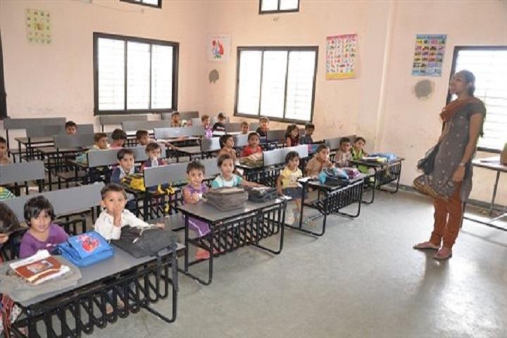 Navin Vaishnav Vidhyamandir-Classroom junior