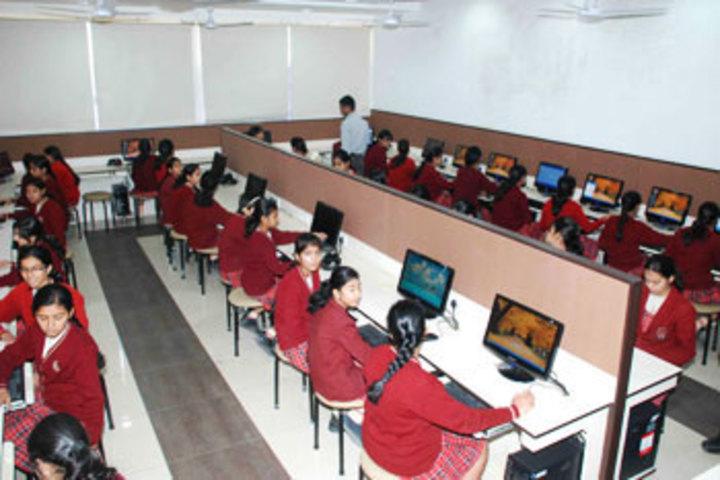 Queens College-Computer Lab