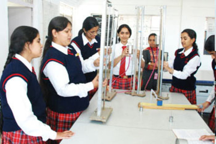 Queens College-Chemistry Lab