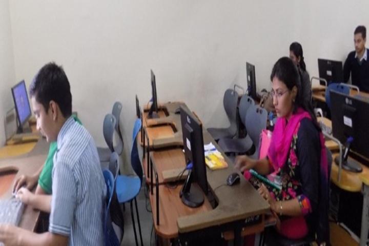 R D Public School-Computer-Lab