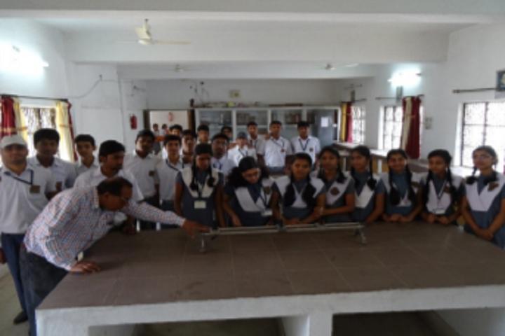 Ramakrishna Vivekananda Vidyapeeth-Physic Lab