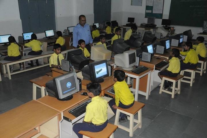 Sadguru Public Hr Sec School-Computer Lab