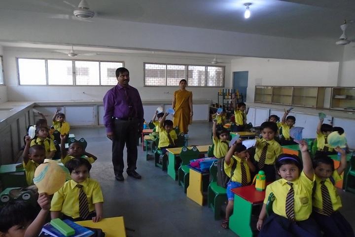 Sadguru Public Hr Sec School-KG Classroom