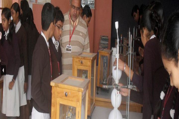 Bihar Public School-Science Lab