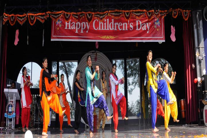 Shanti Niketan Montessori Higher Secondary School-Dance