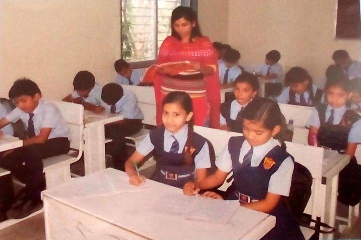 Shree Bhartiya Sanskriti Shiksha Sansthan-Classroom