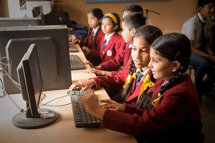 Shree Nahar Convent Senior Secondary School-Computer Lab