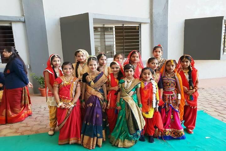 Shri Gyanratna Academy-Traditional Wear