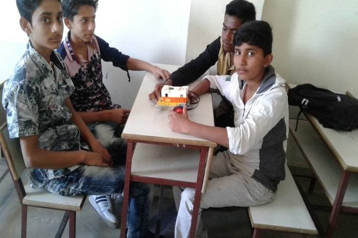 Sit Public School-Robotics