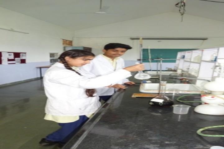 Sri Sri Ravishankar Vidya Mandir-Biology Lab