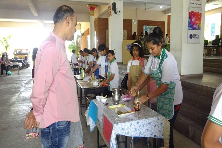 Sri Sri Ravishankar Vidya Mandir-Fireless Cooking Compitition