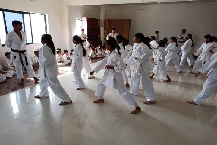 Sri Sri Ravishankar Vidya Mandir-Karate