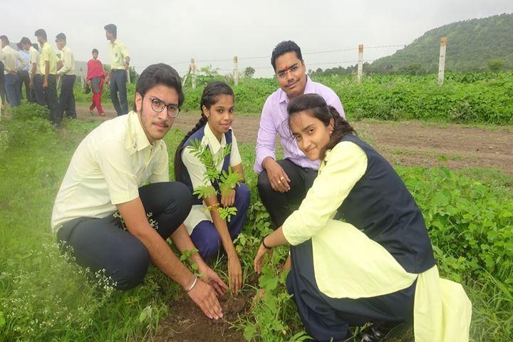 Sri Sri Ravishankar Vidya Mandir-Plant A Tree