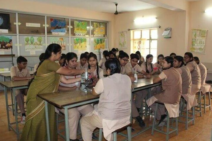 St Thomas School-Biology Lab