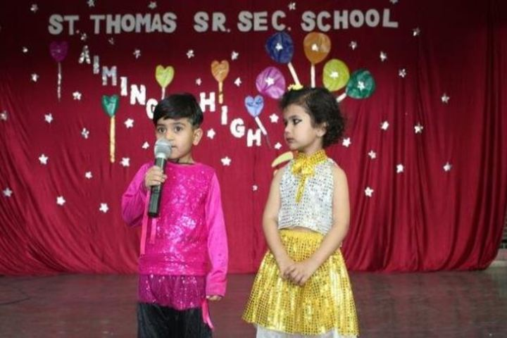 St Thomas School-Singing