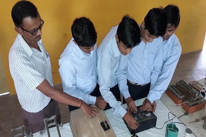 Takshshila Public Model High School-Physics Labs