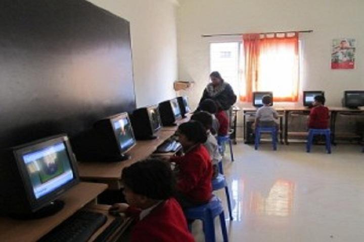 Abhinav English School-IT-Lab