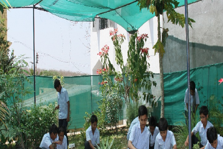 Al Irfan School-Botanical Garden