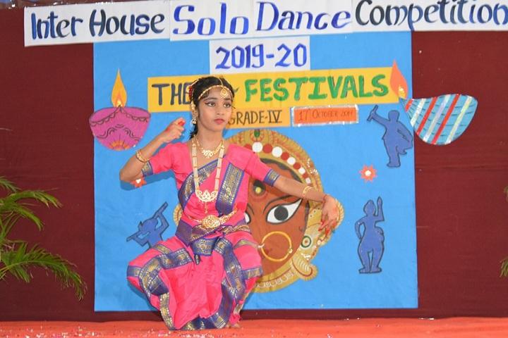 Amanora School-Events dance