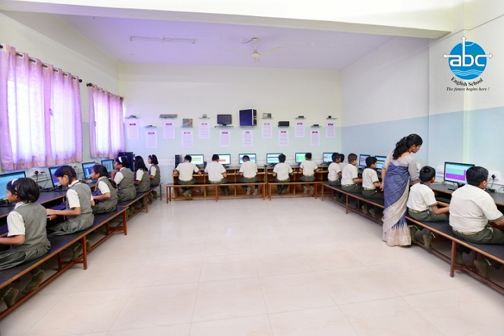 Annasaheb Balasaheb Chakote English School-IT Lab
