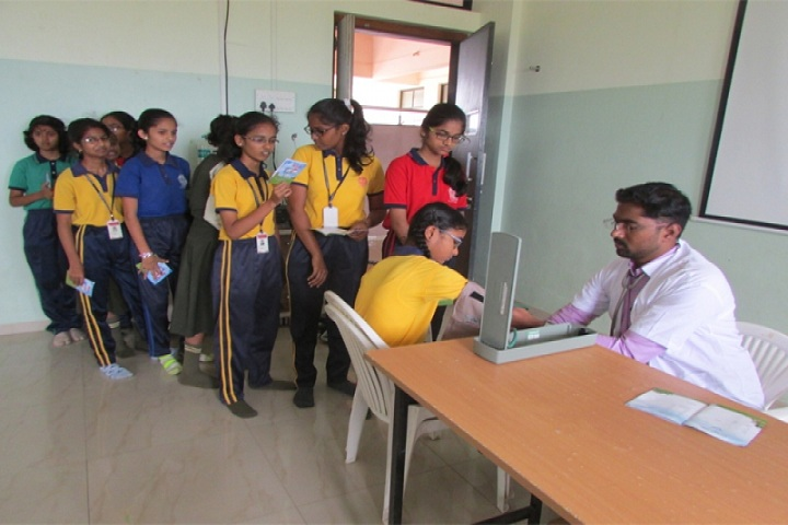 Annasaheb Balasaheb Chakote English School-Medical Checkup