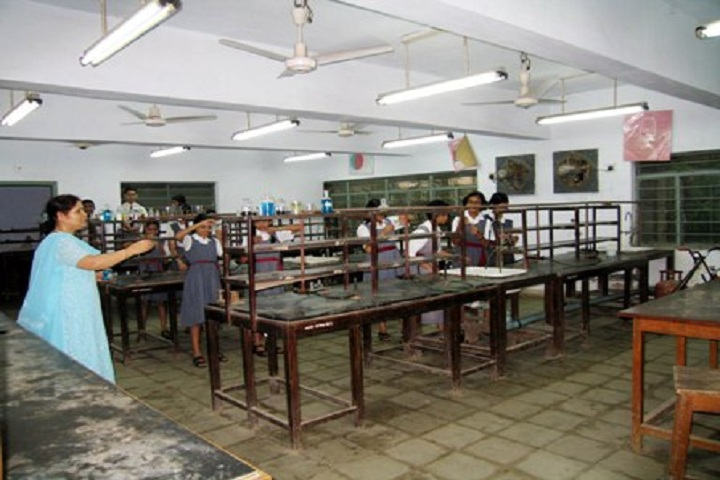Atomic Energy Central School No 2-Chemistry Lab