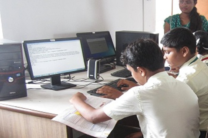 Ballarpur Public School-IT Lab