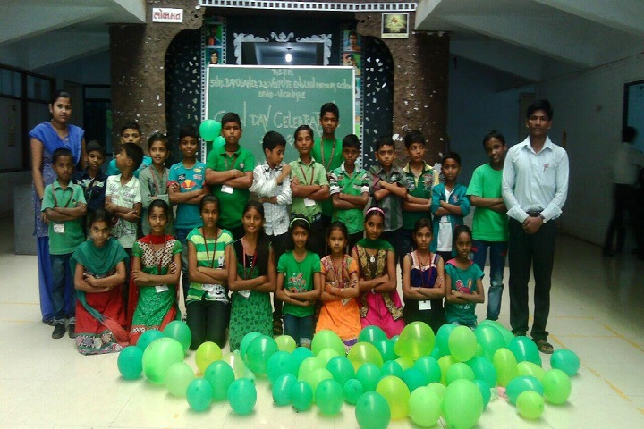 Bapusaheb D D Vispute Primary English School-Green Day Celebration