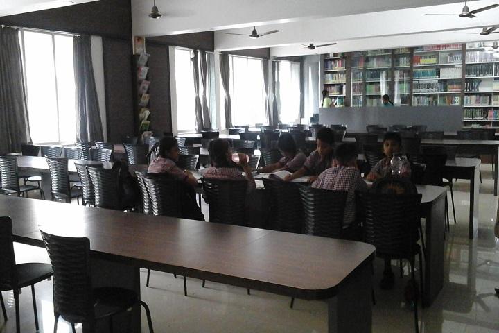 Bapusaheb D D Vispute Primary English School-Library