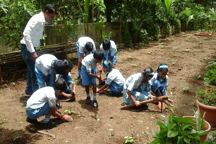Bapusaheb D D Vispute Primary English School-Tree Plantation