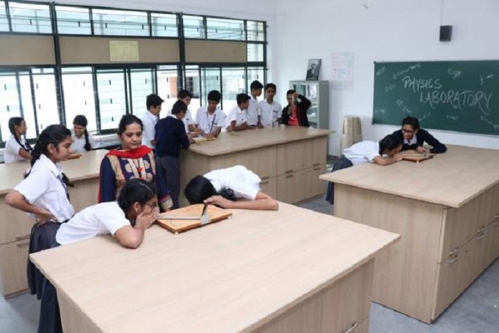 Bhavans Bhagwandas Purohit Vidya Mandir-Physics Lab