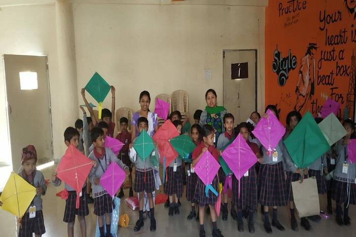 Deogiri Global Academy-Kite Making