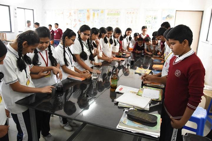 Dnyanada English School-Laboratory